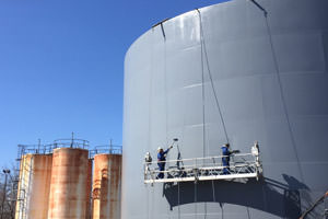 industrial painters painting steel storage tanks/silos in Toronto, Ontario
